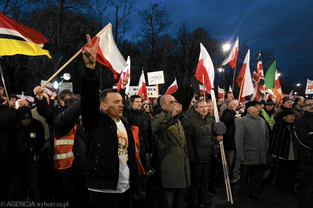 Katastrofa smoleńska. Manifestacja pod ambasadą Rosji w Warszawie, 2011