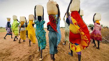Mężczyźni domagają się mleka z piersi karmiących matek. Kobiety postanowiły z tym zawalczyć