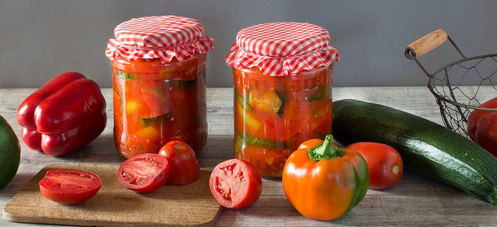 Leczo z papryką, pomidorami i cukinią