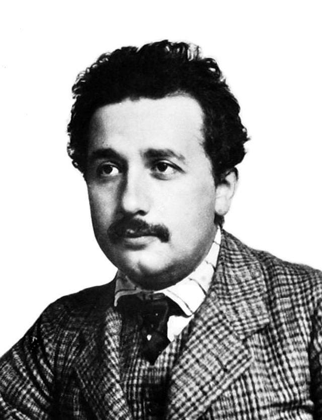 Zdjęcie numer 2 w galerii - Tajemnica rozwichrzonej fryzury Alberta Einsteina oraz jego ostatnich słów przed śmiercią