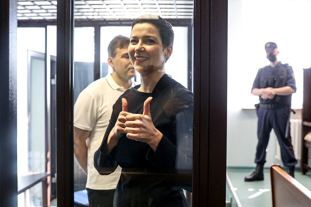 Maksim Znak i Maryja Kalesnikawa podczas procesu w Mińsku, 4 sierpnia 2021 r.