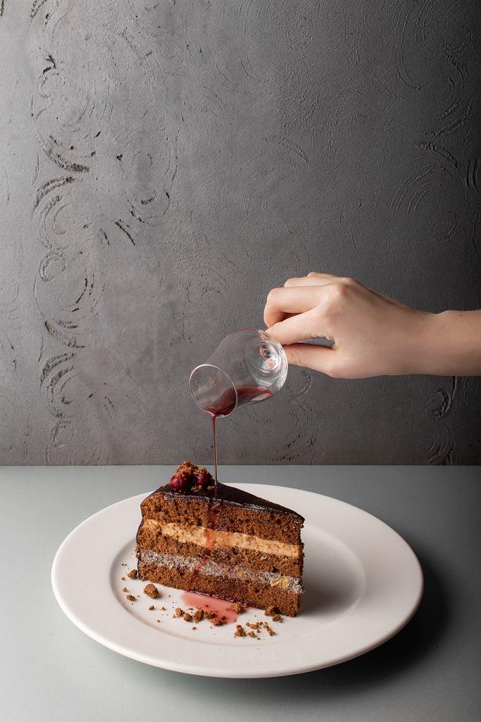 Tort warszawski w restauracji WuWu