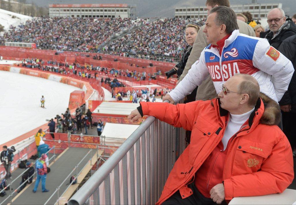 Władimir Putin i minister sportu Witalij Mutko na paraolimpiadzie w Soczi. Mutko uznawany jest za osobę odpowiedzialną za dopingową patologią w Rosji.
