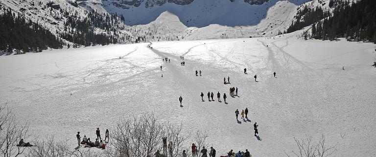 Pierwszy mecz hokeja na Morskim Oku. TPN: Nie było na to zgody