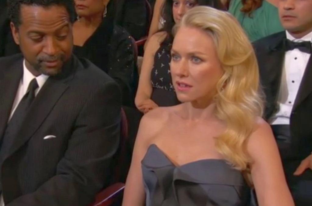 Oscary 2013 - Naomi Watts nie wierzy, że Seth McFarlane śpiewa 'We saw your boobs'