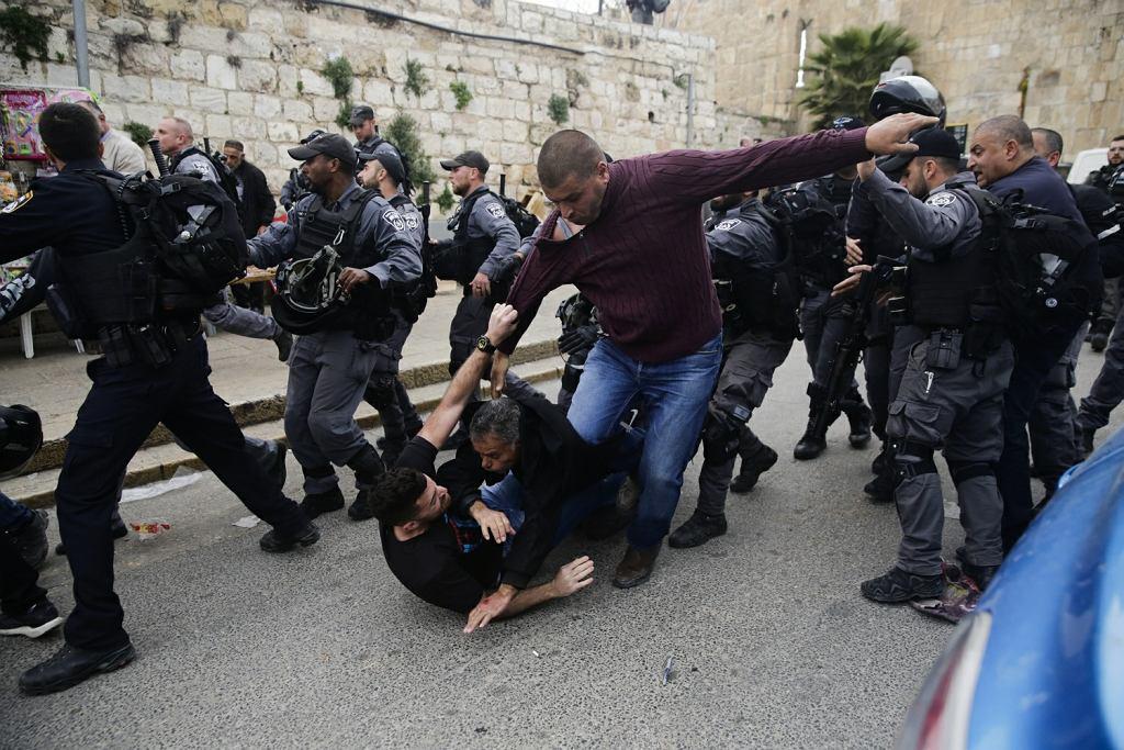 Izraelska policja zamknęła Wzgórze Świątynne z meczetem Al Aksa w Jerozolimie