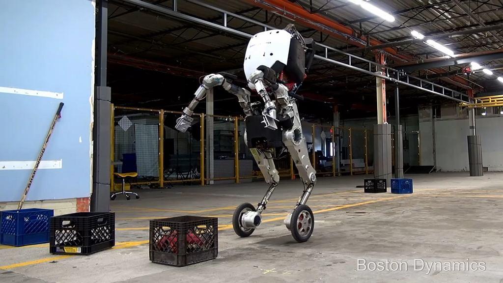 Robot Boston Dynamics potrafi dźwigać ciężary, skakać i poruszać się szybko