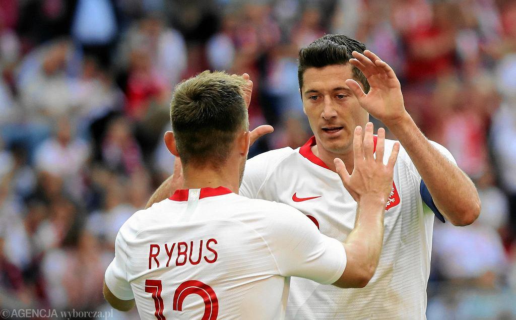 Robert Lewandowski i Maciej Rybus podczas meczu towarzyskiego Polska - Litwa na Stadionie Narodowym. Warszawa, 12 czerwca 2018