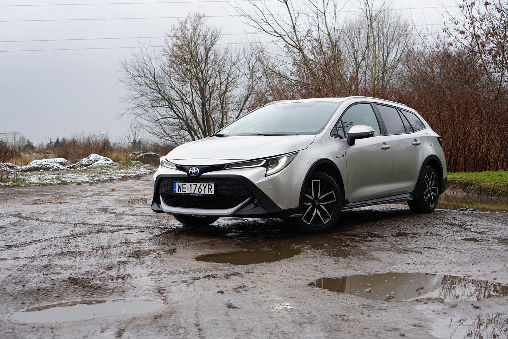 Toyota Corolla TREK 2.0 Hybrid