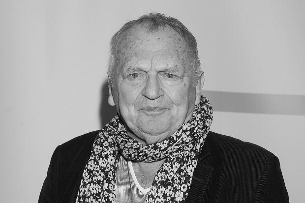 """Jerzy Gruza, twórca takich kultowych seriali jak """"Wojna domowa"""" czy """"Czterdziestolatek"""", zmarł w sobotę w nocy. Reżyser miał 87 lat."""