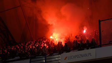 Zadyma podczas  meczu Lecha Poznań z Lechią Gdańsk.