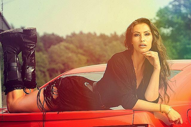 Dziewczyna i... Chevrolet Camaro