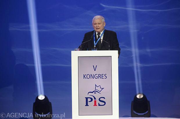 Jarosław Kaczyński trafił do szpitala na początku maja. Oficjalny komunikat mówił o chorobie kolana