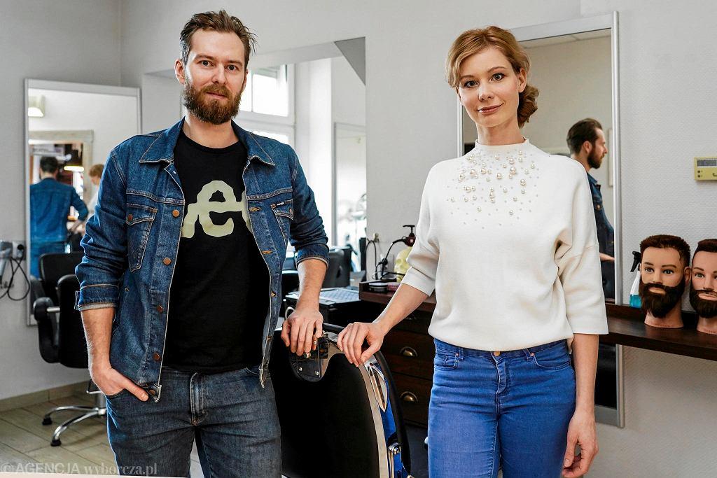 Sabina i Konrad Grzanowicz, właściciele zakładu fryzjerskiego w Olsztynie, który odczuł konsekwencje epidemii koronawirusa
