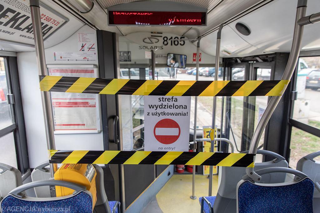Wydzielona strefa bezpieczeństwa dla kierowcy autobusu w Warszawie