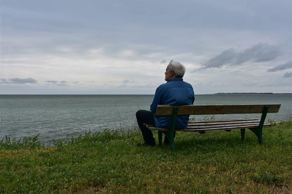Nostalgia w potocznym rozumieniu jest tęsknotą za czymś, co minęło lub co sobie wyobrażaliśmy