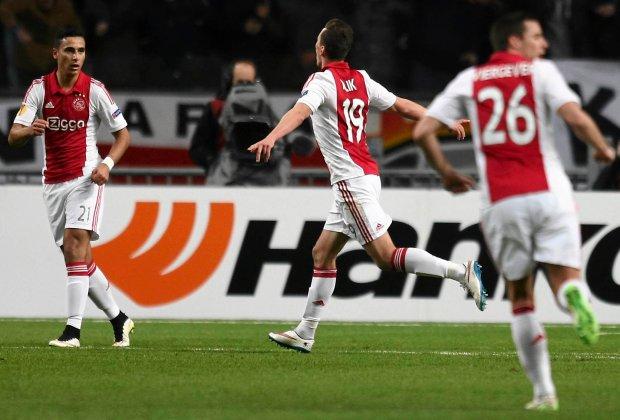 Eredivisie. Ajax pokonał PSV, Milik zszedł z urazem