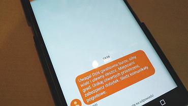 Alert RCB - SMS-y z ostrzeżenia mi pogodowymi dostaje cała Polska