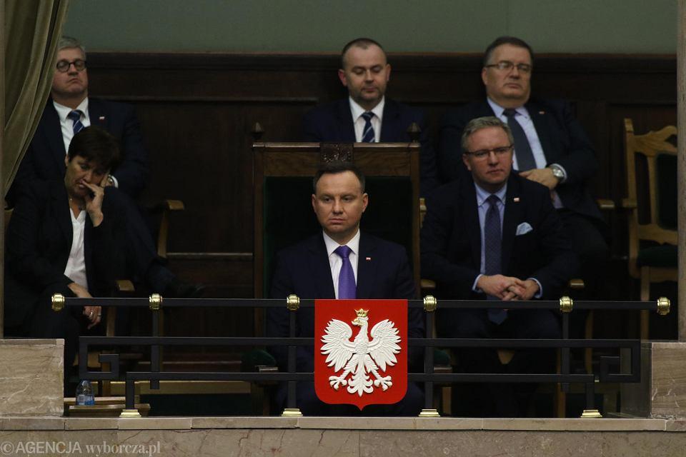 12.12.2017, prezydent Andrzej Duda przysłuchuje sie expose premiera Mateusza Morawieckiego.