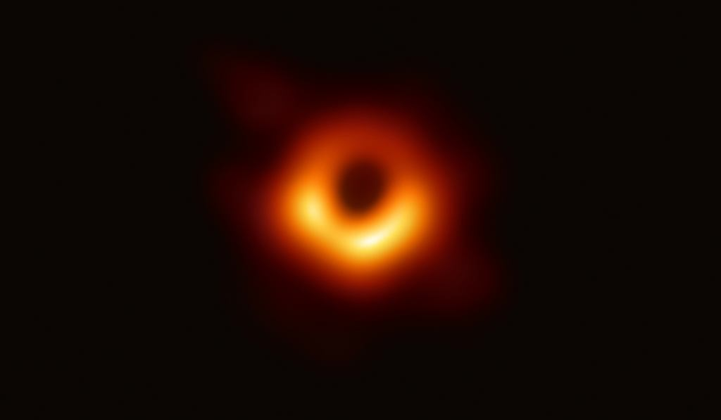 Pierwszy w historii obraz czarnej dziury