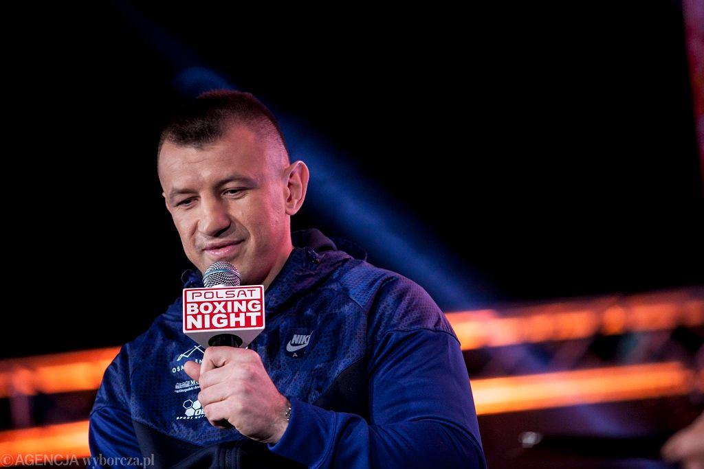 Tomasz Adamek na konferencji prasowej przed galą Polsat Boxing Night 2 kwietnia 2016.
