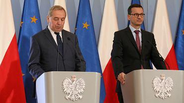 Minister środowiska Henryk Kowalczyk i premier Mateusz Morawiecki