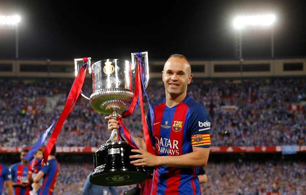 Andres Iniesta z Pucharem Króla