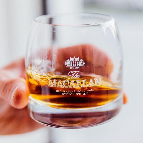 72-letnia whisky Maccalan w karafce Lalique