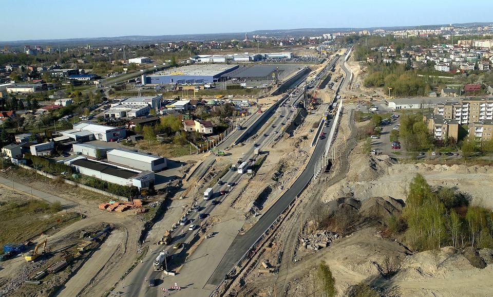 Przebudowa DK94 w Sosnowcu. Od 8 lipca w kierunku Dąbrowy Górniczej kierowcy będą jeździć widoczną po prawej stronie nową łącznicą