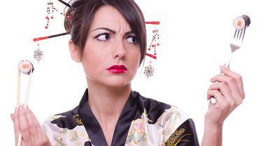Savoir vivre: czy sushi można jeść sztućcami