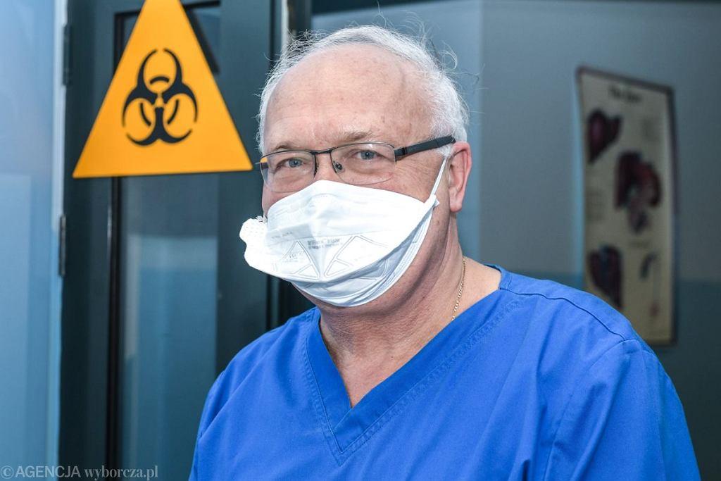 Profesor Krzysztof Simon z Wojewódzkiego Szpitala Specjalistycznego we Wroclawiu