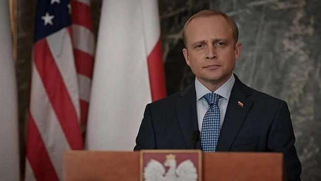 Piotr Adamczyk jako prezydent Polski