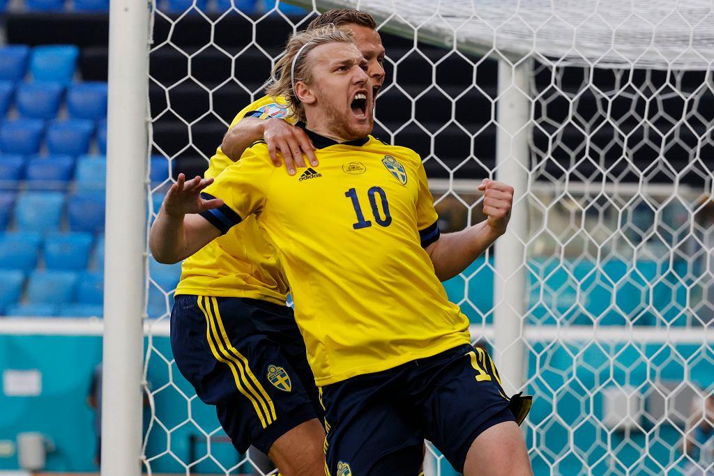 Szwedzki piłkarz Emil Forsberg cieszy się po zdobyciu bramki w meczu Euro 2020 pomiędzy Szwecją a Słowacją.
