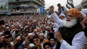 2.11.2018, Peszawar, protest islamistów przeciwko decyzji sądu ułaskawiającego Asię Bibi. Na zdjęciu Maulana Fazalur, szef religijnej partii Jamit Ulema-e-Islam.