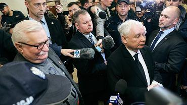 Lech Wałęsa i  prezes Prawa i Sprawiedliwości Jarosław Kaczyński w sądzie, 22 listopada 2018.