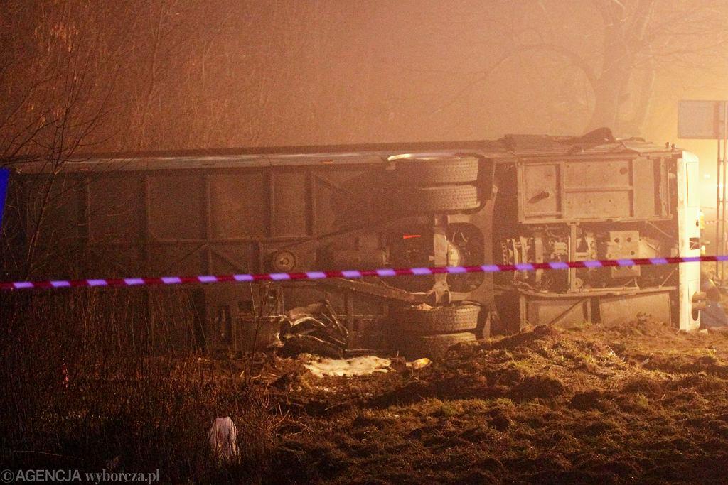 Wypadek autokaru (zdjęcie ilustracyjne)