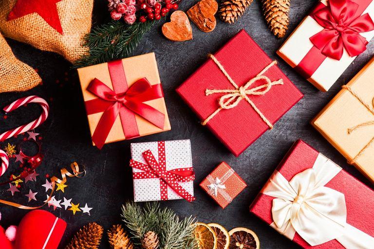 Prezenty świąteczne / fot. Shutterstock