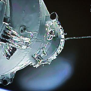 Statek Shenzhou-10 podłącza się do stacji, czerwiec 2013 roku