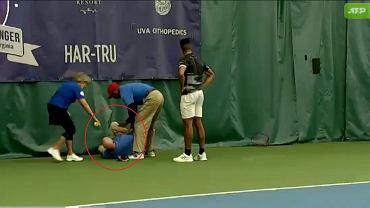 Tenisista trafił rakietą w sędziego
