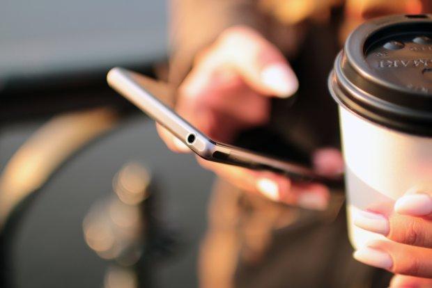 Miłość w XXI wieku? Tylko z Tindera? (fot. Pexels.com CC0)