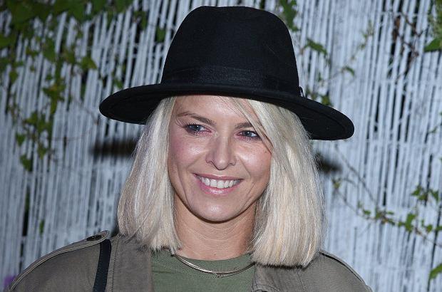 Marta Wiśniewska, czyli dobrze wszystkim znana Mandaryna zmieniła kolor włosów! Zmiana może nie jest diametralna, ale wiele wnosi do nowego wizerunku celebrytki.