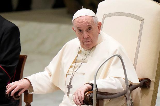 """Watykan. Papież Franciszek zabrał głos ws. rzekomej abdykacji. """"Zawsze  pojawia się huragan konklawe""""   Wiadomości ze świata - Gazeta.pl"""