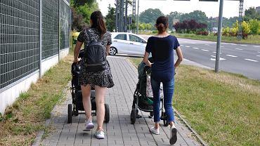 Polski ład program to 12 tys. na dziecko. Co na to rodzice? 'Ceny pójdą w górę'
