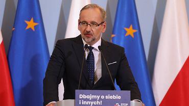 Minister zdrowia w rządzie PiS Adam Niedzielski podczas konferencji w KPRM. Warszawa, 8 października 2020