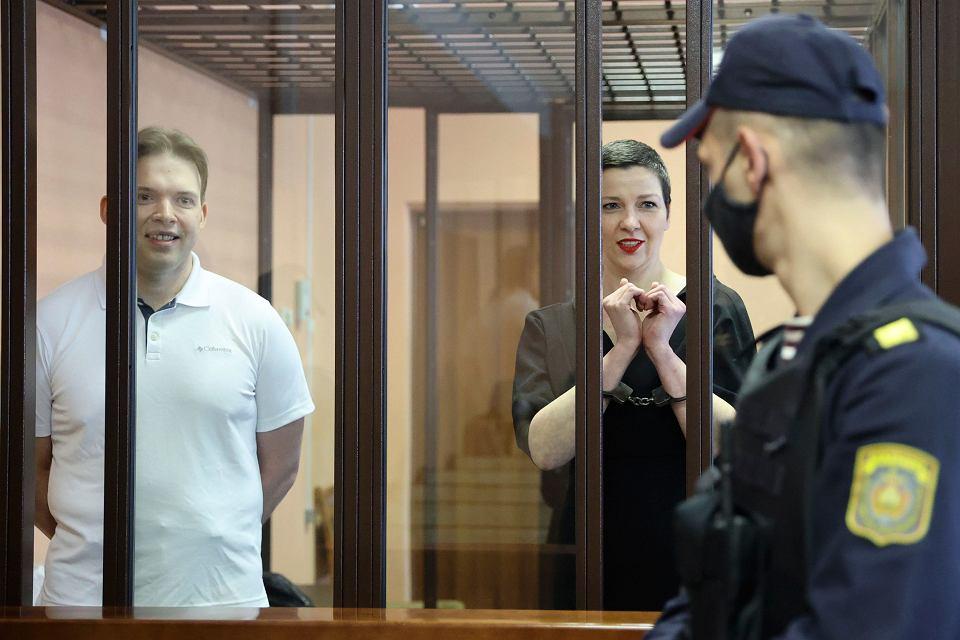 Maksim Znak i Maryja Kalesnikawa podczas procesu w Mińsku, 6 września 2021 r.