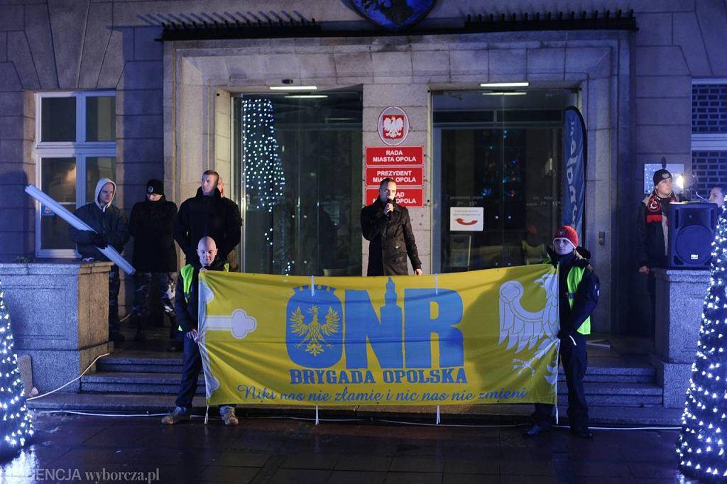 Marsz ONR i Ruchu Narodowego w Opolu w 2012 roku. Przemawia Tomasz Greniuch