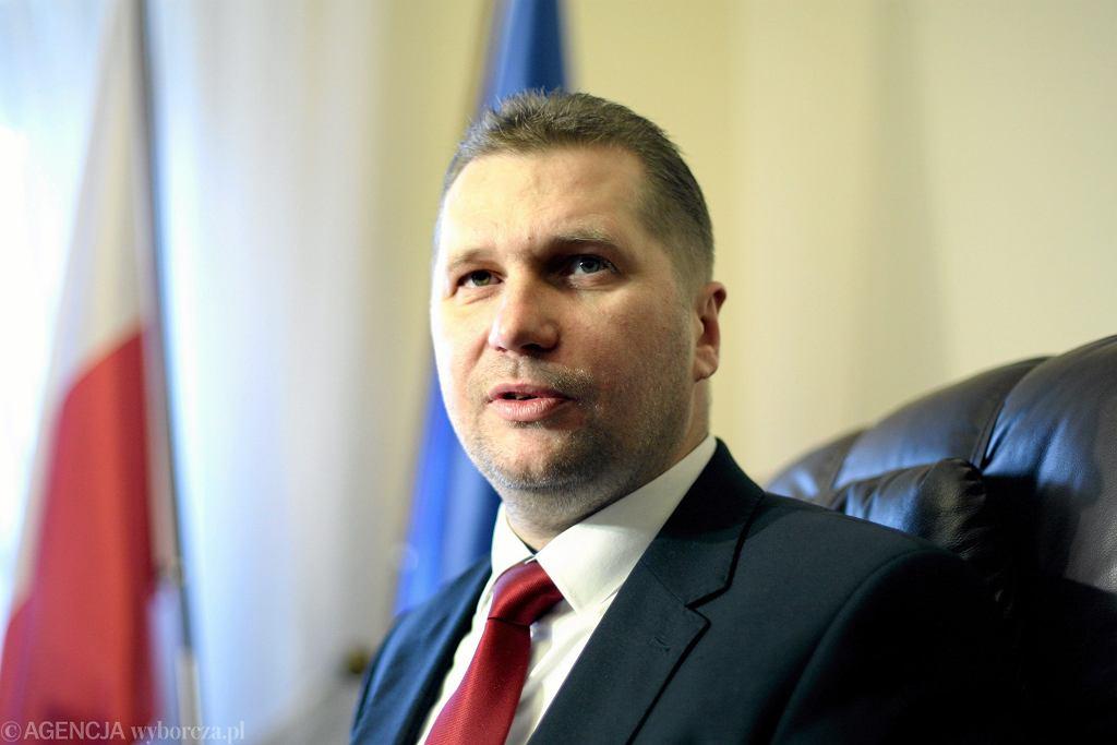 Przemysław Czarnek dba o prawicowych nauczycieli