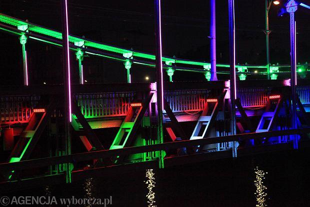 Zdjęcie numer 6 w galerii - Most Grunwaldzki nocą z nowymi światełkami. Jak Wam się podoba? [ZDJĘCIA]