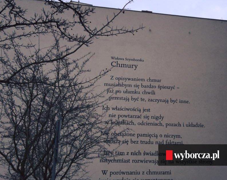 Nowy Poetycki Mural Wiersz Wisławy Szymborskiej Na Starym