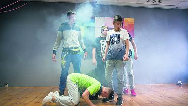 Teatr Moralnego Niepokoju wystawia spektakl 'Wyspa' w Miejsko-Gminnej Bibliotece Publicznej w Wyszkowie